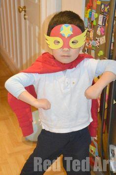 DIY Halloween DIY Costumes: DIY Superhero Masks (+ Template)