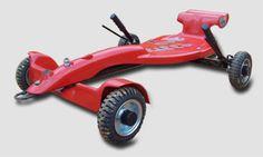 O Steep Car foi desenvolvido com o propósito de resgatar a antiga paixão pelos carrinhos de rolimã, agregando as tendências atuais. Sua carenagem é fabricada em fiberglass, disponível nas cores amarelo Lotus, vermelho Ferrara ou preto Cadilac, chassi em aço carbono com pintura eletrostática a pó (mais resistente às intempéries). Karting, Soap Box Cars, Play Vehicles, Bike Trailer, Balance Bike, Tech Toys, Pedal Cars, Transportation Design, Go Kart
