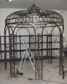 GLORIETTE ancienne TONNELLE ancienne en fer forgé MARQUISE et PERGOLA- vente de matériaux anciens