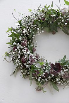 MAKE YOUR OWN MIDSUMMER FLORAL HEAD WREATH Are you going to a midsummer party this weekend and need a floral head wreath? It´s actually quite easy to m...