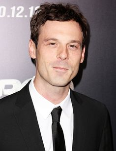 Scoot McNairy Hairstyle - Hairstyle Ideas for Men