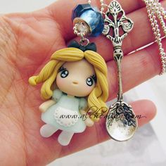 Polymer Clay: Alice in Wonderland Chibi Charm; from Alice in Wonderland; Fimo Polymer Clay, Polymer Clay Disney, Polymer Clay Projects, Polymer Clay Creations, Polymer Clay Jewelry, Clay Crafts, Fimo Disney, Cute Clay, Clay Figures