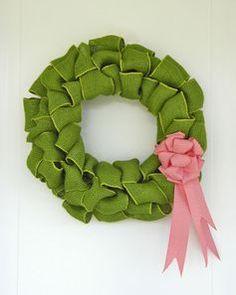 Green burlap wreath from fynesdesigns.com
