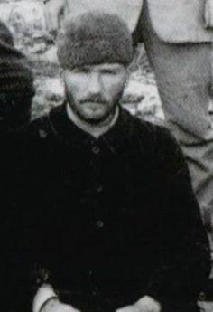 Atatürk gençti o zamanlar tabii :D