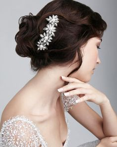 Amazing hair accessories from White & Bold #wchappyhour http://www.whiteandbold.com
