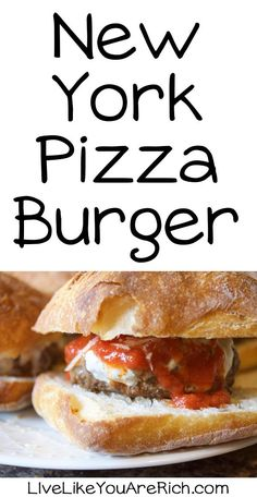 New York Pizza Burger A Delicious must-try recipe/combination! Lunch Recipes, New Recipes, Cooking Recipes, Favorite Recipes, Dinner Recipes, Sandwich Recipes, Amazing Recipes, Popular Recipes, Delicious Recipes