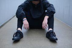 (jeucon★Style) No.4  最終日の今日は・・・BLACK×BLACK !!  ハーフパンツ×スパッツを合わせたスポーティーMIX・・・★  スニーカー♦converse Chuck Taylor All Star II Low Black/Black http://jeudi-japan.com/?pid=111519812  ジャケット♦NAUTICA ハーフジップパーカー(ComingSoon)  ハーフパンツ♦BALMAIN(私物)  スパッツ♦UNIQLO(私物)  ニットキャップ♦Supreme(私物)  ブレスレット♦(H.Y)ネイビービーズ(ComingSoon)  ブレスレット♦(H.Y)ターコイズカラーバタフライ(Coming Soon)