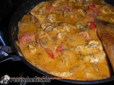 A legjobb Toszkán csirkeragu recept fotóval egyenesen a Receptneked. Meat Recipes, Chicken Recipes, Dinner Recipes, Cooking Recipes, Ital Food, Hungarian Recipes, Hungarian Food, Lunches And Dinners, Food To Make