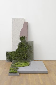 Paul Chan Tablet 3 2014 (via Paul Chan Selected Works at Schaulager Basel Mousse Magazine) Land Art, Modern Art, Contemporary Art, Contemporary Sculpture, Art Et Nature, Instalation Art, Beton Design, Moss Art, Decoration Plante