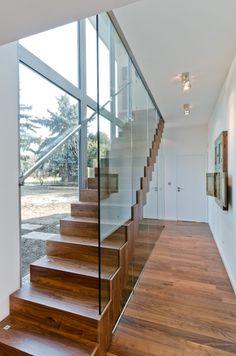 OOOOX | CERVENY UJEZD - wooden stairs with glazed railing