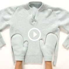 Upcycle an old or shrunken sweater and create a pair of cozy mittens for you or your family. You can create them in a few simple steps and your hands will be warm on these cold winter days! Alter Pullover, Fleece Pullover, Diy Clothing, Sewing Clothes, Recycled Clothing, Old Sweater Crafts, Artisanats Denim, Pullover Upcycling, Sweater Mittens