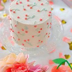 Gorgeous Cakes, Pretty Cakes, Amazing Cakes, Mini Cakes, Cupcake Cakes, Cupcakes, Patterned Cake, Cherry Cake, Summer Cakes