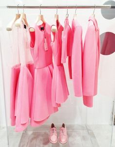 Grafika przez We Heart It #classy #closet #dresses #fashion #luxury #pink #style