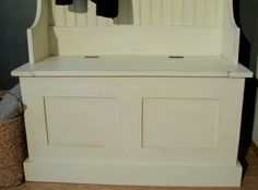Free easy plans to build an entryway storage bench featuring lift top compartment. Step by step plans include shopping list, cut list, diagrams, and instructions. Add the narrow hall tree hutch on top to create a full entryway storage solution. Entryway Bench Storage, Entry Bench, Bench With Storage, Storage Beds, Food Storage, Blanket Storage, Diy Bench, Hall Bench, Seat Storage