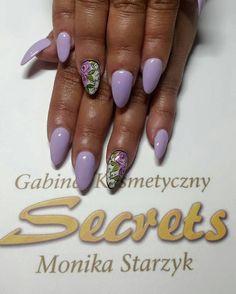 by Monika Starzyk :) Follow us on Pinterest. Find more inspiration at www.indigo-nails.com #nailart #nails #indigo #violet #lavender #pastel #flower