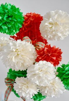 Kit Natal POMPONS Cores LINDAS LUXO Independence Day Decoration, Mexican Independence Day, Italian Theme, Italian Party, Fiesta Theme Party, Party Themes, Italian Night, Tissue Paper Flowers, Crochet For Beginners