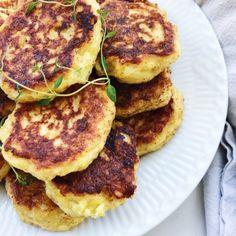 Vegetar frikadeller Greek Recipes, Veggie Recipes, Vegetarian Recipes, Healthy Recipes, Danish Food, Healthy Treats, Superfood, Food Inspiration, Tapas