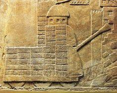 Relieve con máquina de guerra, desde la antigua Nínive, Irak. Es que un tanque ??.