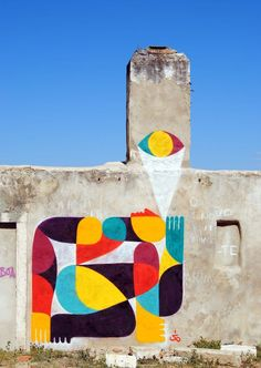 """Sente A Luz"" (Feel the Light), Spray on wall, Lisboa, Portugal, 2010. | #UrbanArt"