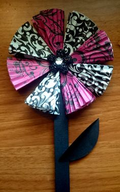 Cupcake Liner Flowers – A Craft To Show Mom Our Love!