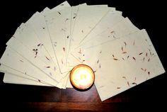 6x A4 Handmade Flower Petal Recycled Paper Sheets. Decorative paper. Herb paper. Ecofriendly paper. Invitations, Presents...(21cmx28,5cm) de VintageNiceShop en Etsy