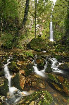 Cascadas de Oneta. Otro de nuestros monumentos naturales. Éste en Villayón. Espectacular!. Asturas. España.