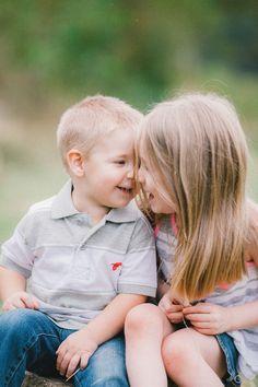 children photography | sibling love | siblings | portraits  www.simplycroft.blogspot.com