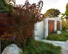 front yard garden fence ideas wood concrete combination