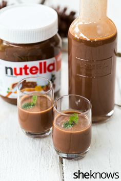 Homemade Nutella Liqueur: Dessert in a liqueur.