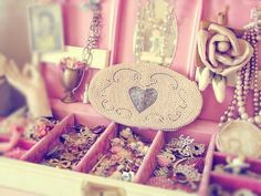 Imagen de pink, girly, and jewelry