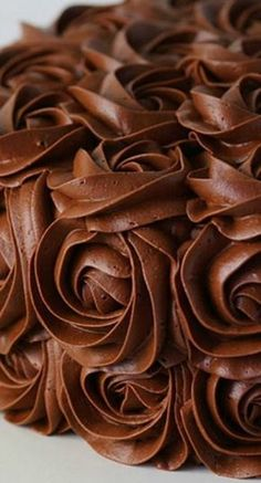 awesome whipped chocolate buttercream frosting - i am baker Chocolate Buttercream Frosting, Cupcake Frosting, Cake Icing, Cupcake Cakes, Fluffy Frosting, Chocolate Frosting Recipes, Whipped Buttercream, Chocolate Fudge Frosting, Buttercream Recipe