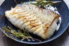 Fried fish fillet, Atlantic cod with rosemary in pan Grouper Recipes, Seafood Recipes, Cooking Recipes, Healthy Recipes, Diabetic Recipes, Cooking Fish, Cooking Bacon, Whole30 Recipes, Cooking Videos