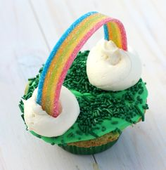 St. Patrick's Day Cupcake Recipe Pictures, Photos, and Images for Facebook, Tumblr, Pinterest, and Twitter