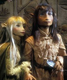 Gelflings- Kira and Jen from the Dark Crystal by Jim Henson. Dark Crystal Movie, The Dark Crystal, Crystal Ball, Jim Henson, 80s Movies, Movie Tv, Movies Showing, Movies And Tv Shows, Brian Froud