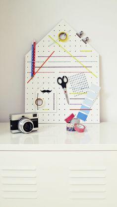 Neue Pinnwand...., Tags Arbeitszimmer, Arbeitszimmer, Lochplatte, Diy Häuschen-Pinnwand, Gummibänder