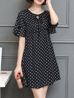 Black A-line Bell Sleeve Polka Dots Plus Size Plus Size Casual Dress Plus size women fasion moda dreBuy Casual Dress For Women at JustFashionNow. Online Shopping JustFashionNow Black Women Casual Dress Crew Neck A-line Going out Dress Short Sleeve Ch Floral Plus Size Dresses, Casual Dresses Plus Size, Plus Size Casual, Mode Outfits, Fashion Outfits, Dress Fashion, Fashion Clothes, Diy Clothes, Casual Chic Outfits