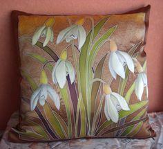 Saree Painting Designs, Fabric Paint Designs, Fabric Paint Shirt, Textile Pattern Design, Batik Art, House Quilts, Silk Art, Elements Of Art, Bohemian Art