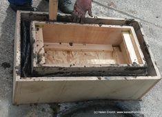 How to make a Hypertufa Trough - building the sides of the hypertufa trough for www. Diy Concrete Planters, Trough Planters, Concrete Sink, Concrete Furniture, Concrete Garden, Diy Planters, Succulent Planters, Succulents Garden, Pallet Planter Box
