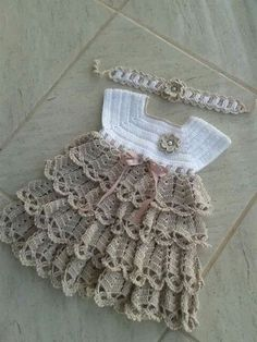 Crochet pink and gray baby dress set with rosebuds comes with How To Crochet Baby Booties Sandals - Free Crochet Patterns ✔ c - Salvabrani Image gallery – Page 397231629632509971 – Artofit No pattern :/el isi Crochet Motifs, Crochet Diagram, Knit Crochet, Crochet Patterns, Baby Tulle Dress, Knit Baby Dress, Baby Girl Crochet, Crochet Baby Clothes, Creation Couture