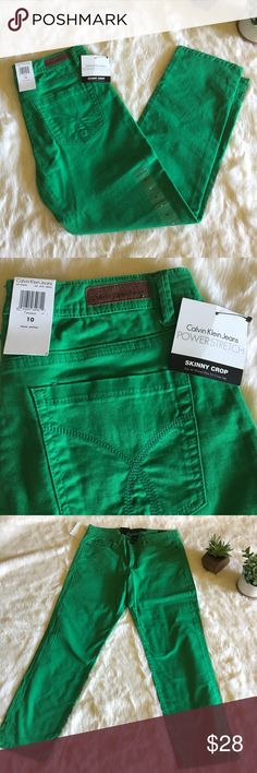 """NWT Calvin Klein Kelly Green """"Skinny Crop"""" Brand new deep green crop pants with lots of stretch. 26.5"""" inseam. Calvin Klein Jeans Jeans Ankle & Cropped"""