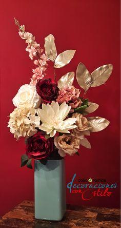 Arreglo floral con flores artificiales
