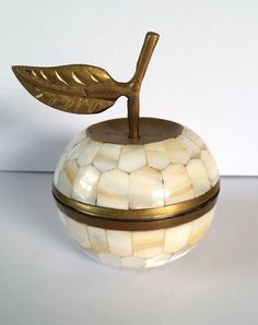 VINTAGE INDIAN MOTHER OF PEARL BRASS FRUIT APPLE ORNAMENT TRINKET SCREW LID POT
