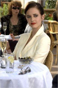 Eva Green ✾ as Vesper Lynd in James Bond 007 - Casino Royale 2006 Eva Green Casino Royale, Eva Green James Bond, James Bond Girls, Daniel Craig, Craig 007, Craig James, Film Casino, Nathalie Portman, Actrices Sexy