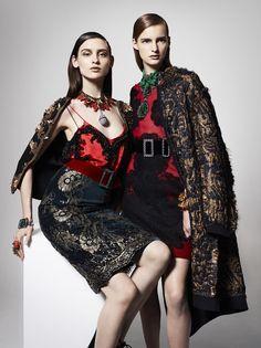 O barroco na moda - profusão de bordados, adamascados, rendas e firulas.