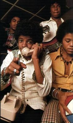 Michael Jackson and his brothers - Jackson 5 Era The Jackson Five, Jackson Family, Familia Jackson, World Music Awards, Gary Indiana, King Of Music, The Jacksons, Actrices Hollywood, Soul Music