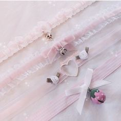 Find images and videos about pink, kawaii and pastel on We Heart It - the app to get lost in what you love. Kawaii Fashion, Lolita Fashion, Cute Fashion, Visual Kei, Doll Style, Looks Kawaii, Style Lolita, Mode Kawaii, Kawaii Diy