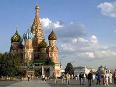 St. Basil's Cathedral, considered a masterpiece of Orthodox art, overlooks Moscow's famous Red Square.  Photography W. Buss, Photolibrary