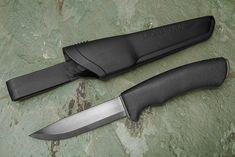 Morakniv Bushcraft / Bushcraft Survival Knife Viking Battle, Cheap Shot, Great Sword, Buck Knives, Bushcraft Knives, Cold Steel, Fixed Blade Knife, Knives And Tools, Survival Knife