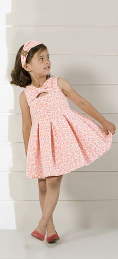 pv15-lookbook-infantil-niña-26 Little Dresses, Little Girl Dresses, Cute Dresses, Girls Dresses, Flower Girl Dresses, Little Girl Fashion, Kids Fashion, Coco Fashion, Frock Patterns