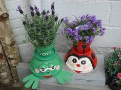 18 Decorative Clay Pots Ideas To Beautify Your Outdoor Spaces Flower Pot Art, Clay Flower Pots, Flower Pot Crafts, Frog Crafts, Garden Crafts, Crafts To Do, Diy Crafts, Clay Pot Projects, Clay Pot Crafts